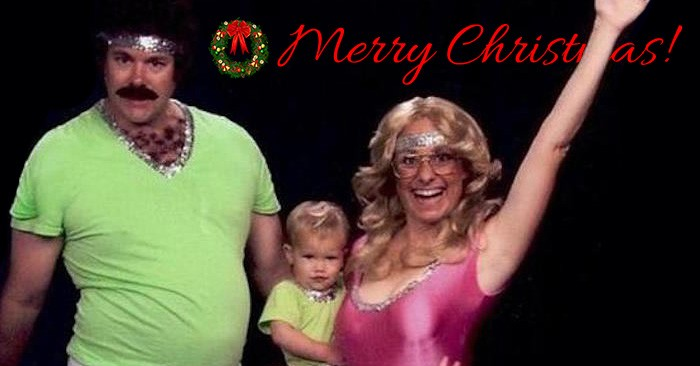 A Family Has Been Making Amazingly Awkward Christmas Cards For 12 ...